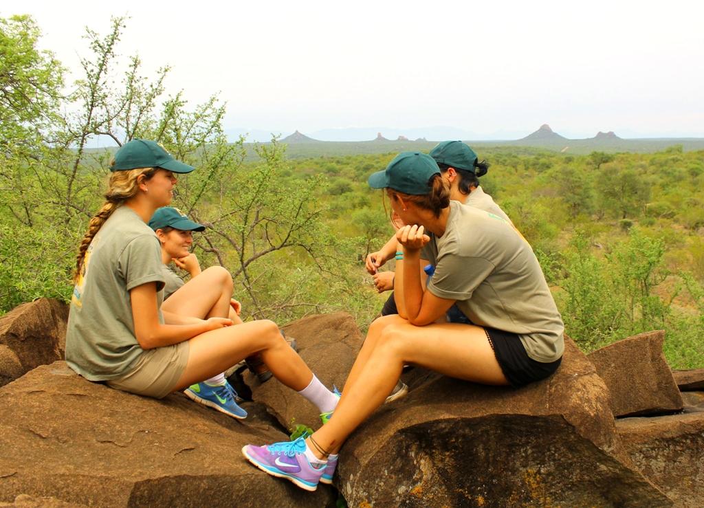Volunteer Arbeit in Südafrika - vor Safari Kulisse im Krüger Park